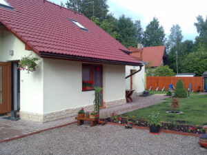 RD + zahrada Komárov u Nechanic 02