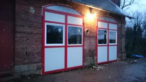 Vrata hasičské zbrojnice Vítězná